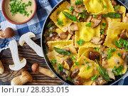Купить «homemade ravioli in garlic mushrooms sauce», фото № 28833015, снято 16 июля 2018 г. (c) Oksana Zh / Фотобанк Лори