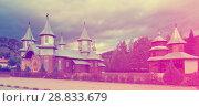 Купить «Wooden church in romanian village Carlibaba», фото № 28833679, снято 15 сентября 2017 г. (c) Яков Филимонов / Фотобанк Лори
