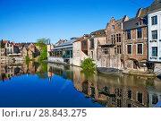 Купить «Красивая средневековая архитектура домов в фламандском стиле. Гент. Бельгия», фото № 28843275, снято 6 мая 2018 г. (c) Сергей Афанасьев / Фотобанк Лори