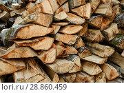 Купить «Поленница с дровами крупным планом», эксклюзивное фото № 28860459, снято 5 июня 2018 г. (c) Игорь Низов / Фотобанк Лори