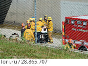 Купить «LAPD firefighters try to rescue a man threatening to jump from the Laurel Canyon Bridge over the Los Angeles River Where: Los Angeles, California, United States When: 16 Mar 2017 Credit: WENN.com», фото № 28865707, снято 16 марта 2017 г. (c) age Fotostock / Фотобанк Лори