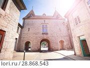 Купить «Medieval building with archway in Besancon, France», фото № 28868543, снято 25 мая 2017 г. (c) Сергей Новиков / Фотобанк Лори