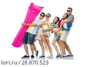 Купить «happy friends with beach and summer accessories», фото № 28870523, снято 30 июня 2018 г. (c) Syda Productions / Фотобанк Лори