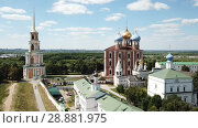 Купить «Image of Kremlin and Cathedral in Ryazan city at sunny day, Russia», видеоролик № 28881975, снято 27 июня 2018 г. (c) Яков Филимонов / Фотобанк Лори
