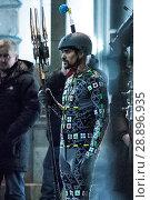 Купить «Film crew and stuntmen prepare for the filming of the upcoming movie 'Avengers: Infinity War' on the Royal Mile in Edinburgh Featuring: Stuntman Where...», фото № 28896935, снято 31 марта 2017 г. (c) age Fotostock / Фотобанк Лори
