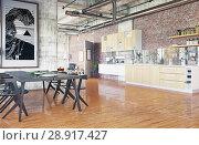 Купить «modern loft.», фото № 28917427, снято 15 августа 2018 г. (c) Виктор Застольский / Фотобанк Лори