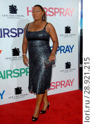 Queen Latifah at arrivals for NY Premiere of HAIRSPRAY, The Ziegfeld Theatre, New York, NY, July 16, 2007. Photo by: George Taylor/Everett Collection. Редакционное фото, фотограф George Taylor/Everett Collection / age Fotostock / Фотобанк Лори