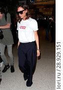 Купить «Victoria Beckham arrives at Los Angeles International (LAX) Airport Featuring: Victoria Beckham Where: Los Angeles, California, United States When: 17 Apr 2017 Credit: WENN.com», фото № 28929151, снято 17 апреля 2017 г. (c) age Fotostock / Фотобанк Лори