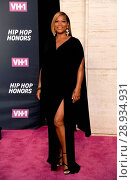Queen Latifah at arrivals for VH1 Hip Hop Honors: All Hail The Queens, David Geffen Hall at Lincoln Center, New York, NY July 11, 2016. Photo By: Kristin Callahan/Everett Collection. Редакционное фото, фотограф Kristin Callahan/Everett Collection / age Fotostock / Фотобанк Лори