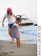 Купить «Children bathe in the sea», фото № 28937123, снято 6 июля 2018 г. (c) Типляшина Евгения / Фотобанк Лори