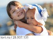 Купить «Children bathe in the sea», фото № 28937131, снято 7 июля 2018 г. (c) Типляшина Евгения / Фотобанк Лори