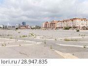 Купить «Valencia, Spain, Empty, paved area on the outskirts», фото № 28947835, снято 9 июня 2017 г. (c) Caro Photoagency / Фотобанк Лори