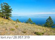 Купить «Baikal Lake in the summer. The coast of Olkhon Island near Cape Khoboy in the August afternoon», фото № 28957319, снято 21 августа 2010 г. (c) Виктория Катьянова / Фотобанк Лори