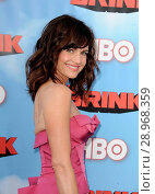 Carla Gugino at arrivals for THE BRINK Series Premiere on HBO, Paramount Theater, Los Angeles, CA June 8, 2015. Photo By: Dee Cercone/Everett Collection. Редакционное фото, фотограф Dee Cercone/Everett Collection / age Fotostock / Фотобанк Лори