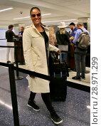 Купить «Laila Ali arrives at Los Angeles International (LAX) Airport Featuring: Laila Ali Where: Los Angeles, California, United States When: 24 Apr 2017 Credit: WENN.com», фото № 28971299, снято 24 апреля 2017 г. (c) age Fotostock / Фотобанк Лори