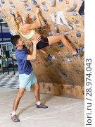 Купить «Couple of climbers on joint workout», фото № 28974043, снято 16 июля 2018 г. (c) Яков Филимонов / Фотобанк Лори