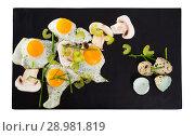 Купить «Fried quail eggs with champignons», фото № 28981819, снято 17 декабря 2018 г. (c) Яков Филимонов / Фотобанк Лори