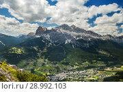 Top view of Cortina D'ampezzo Dolomites, Italy (2018 год). Стоковое фото, фотограф Юлия Кузнецова / Фотобанк Лори