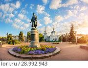Купить «Афанасий Никитин в Твери Monument to Athanasius Nikitin in Tver», фото № 28992943, снято 19 августа 2018 г. (c) Baturina Yuliya / Фотобанк Лори