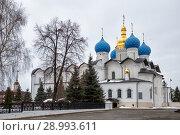 Купить «Благовещенский собор в Казанском кремле», фото № 28993611, снято 3 января 2018 г. (c) Юлия Бабкина / Фотобанк Лори