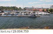 Купить «Залив и стоянка яхт. Кристиансанн, Норвегия», видеоролик № 29004759, снято 11 июля 2018 г. (c) Вадим Хомяков / Фотобанк Лори
