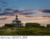 Купить «Andreevskiy skit of the Solovetsky monastery on the Bolshoi Zayatsky Island at sunset. Solovetsky archipelago, White sea, Russia», фото № 29011359, снято 18 июня 2018 г. (c) Наталья Волкова / Фотобанк Лори