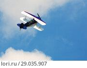 Купить «Image of sports plane flying rapidly in the sky, outdoor», фото № 29035907, снято 20 мая 2018 г. (c) Яков Филимонов / Фотобанк Лори