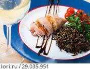 Купить «Stuffed squid with peppers, wild rice, eggs and herbs», фото № 29035951, снято 21 января 2020 г. (c) Яков Филимонов / Фотобанк Лори