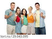 Купить «happy friends showing ok hand sign», фото № 29043095, снято 30 июня 2018 г. (c) Syda Productions / Фотобанк Лори