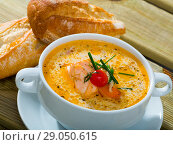 Купить «Norwegian cuisine - cream salmon soup», фото № 29050615, снято 21 сентября 2019 г. (c) Яков Филимонов / Фотобанк Лори