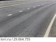 Купить «Highway turn», фото № 29064755, снято 22 апреля 2014 г. (c) Юрий Бизгаймер / Фотобанк Лори