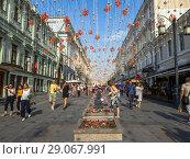 Moscow, Russia - Sep 9. 2018. Kamergersky Lane decorated for City Day. Редакционное фото, фотограф Володина Ольга / Фотобанк Лори