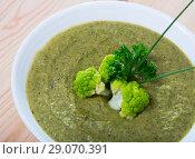 Купить «Cheese cream-soup from brokkoli with soft cheese, traditional dish», фото № 29070391, снято 11 июля 2020 г. (c) Яков Филимонов / Фотобанк Лори