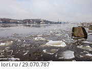 Россия, Санкт-Петербург, ледоход на реке Неве (2018 год). Стоковое фото, фотограф glokaya_kuzdra / Фотобанк Лори