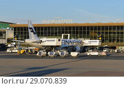 Купить «Helsinki International Airport. Terminal building and Finnair Airbus», фото № 29070839, снято 7 июля 2018 г. (c) Валерия Попова / Фотобанк Лори