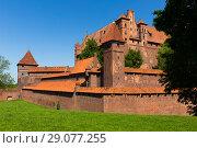Купить «Castle of Teutonic Order in Malbork, Poland», фото № 29077255, снято 13 мая 2018 г. (c) Яков Филимонов / Фотобанк Лори
