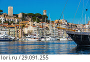 Купить «Picture of port of Cannes old city at the French Riviera», фото № 29091255, снято 3 декабря 2017 г. (c) Яков Филимонов / Фотобанк Лори
