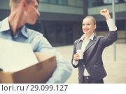 Купить «Director woman is wishing good luck to employee», фото № 29099127, снято 15 июля 2017 г. (c) Яков Филимонов / Фотобанк Лори