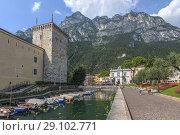 Купить «Riva del Garda, Lake Garda, Trentino, Italy, Europe.», фото № 29102771, снято 9 августа 2018 г. (c) age Fotostock / Фотобанк Лори