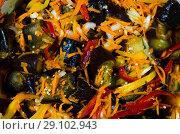 Купить «Консервированное овощное острое ассорти на основе баклажанов», фото № 29102943, снято 15 сентября 2018 г. (c) Игорь Кутателадзе / Фотобанк Лори