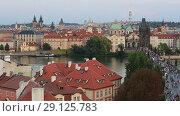Купить «Прага. Красивый вид на город и Карлов мост», видеоролик № 29125783, снято 19 сентября 2018 г. (c) Яна Королёва / Фотобанк Лори