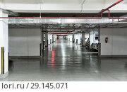 Купить «Подземная автомобильная парковка», фото № 29145071, снято 24 сентября 2015 г. (c) Евгений Ткачёв / Фотобанк Лори