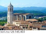Купить «Вид сверху на исторический центр Жироны, Испания», фото № 29145403, снято 11 сентября 2018 г. (c) Ольга Коцюба / Фотобанк Лори