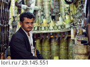 Купить «Dagger seller, Yemen», фото № 29145551, снято 13 марта 2010 г. (c) Знаменский Олег / Фотобанк Лори