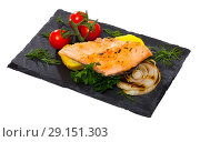 Купить «Slate with tender trout fillet, potatoes», фото № 29151303, снято 18 января 2019 г. (c) Яков Филимонов / Фотобанк Лори