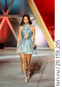 Купить «Fashion For Famine held at Hanger 16 at Cannes-Mandelieu Airport during the 70th Cannes Film Festival - Runway Featuring: Bella Hadid Where: Cannes, United...», фото № 29159295, снято 21 мая 2017 г. (c) age Fotostock / Фотобанк Лори