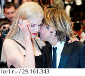 Купить «Nicole Kidman and Keith Urban attending the premiere of 'The Killing of a Sacred Deer' during the 70th annual Cannes Film Festival at Palais des Festivals...», фото № 29161343, снято 22 мая 2017 г. (c) age Fotostock / Фотобанк Лори