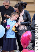 Купить «Vigil and tributes at St Anne's Square in Manchester for the victims of the terror attack at the Ariana Grande concert Featuring: Atmosphere Where: Manchester...», фото № 29169827, снято 24 мая 2017 г. (c) age Fotostock / Фотобанк Лори