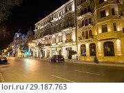Купить «Проспект Азадлыг ночью. Одна из центральных улиц Баку. Здания с ночной подсветкой. Азербайджан», фото № 29187763, снято 24 сентября 2017 г. (c) Евгений Ткачёв / Фотобанк Лори