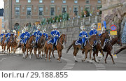 Royal Guards perform state ceremonial duties on behalf of Swedish Armed Forces. They also take part in royal ceremonial occasions, official state visits, opening of Parliament, Swedish National Day, formal audiences (2018 год). Редакционное фото, фотограф Валерия Попова / Фотобанк Лори